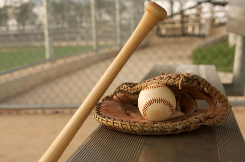 baseball-bat-glove